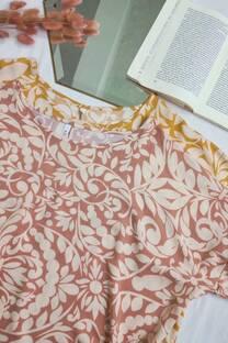 Blusa de lino estampado con dobladillo en las mangas -