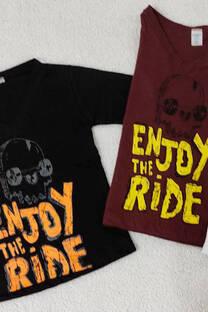 Camiseta Enjoy -