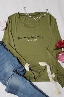camiseta con puntilla en la manga -