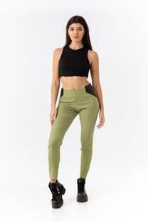 Pantalón con apliques engomado en cintura -