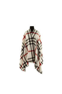 Modelo #26 Mantón blanco-negro-rojo de acrílico frizado desflecado.  Medidas: 75 cm x 200 cm -