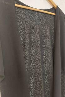 Kimono Iris De Tela Labrada Con Detalle De Puntilla  -