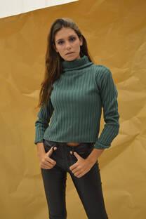 Sweater polera corto. -