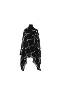 Modelo #32 Mantón negro-blanco de acrílico frizado desflecado.  Medidas: 75 cm x 200 cm -