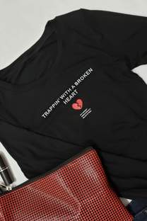 camiseta corta c detalle atras -