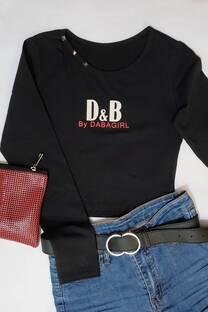 algodon con laycra y tachas en cuello  estampa D & B  -
