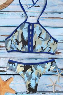 Bikini top al cuello con coulotte less. -