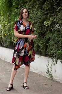 Vestido estampado abierto con tiras varios usos
