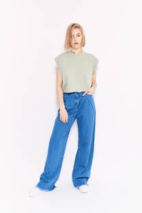 Flare jeans celeste oscuro rigido desflecado con pinzas -