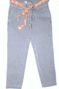 Pantalón de nena en jean gris con tachas -