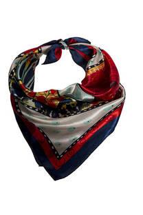 Nº 36 Pañuelo de seda cuadrado con estampado.  Medidas: 50 cm x 50 cm