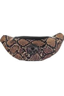 Riñonera de cuero ecológico diseño reptil con cierre y tira regulable con broche.  Medidas: 30 cm x 12 cm -