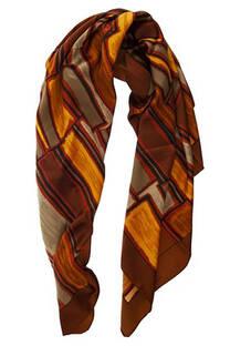Pañuelo cuadrado de seda con estampado de colores.  Medidas: 90 cm x 90 cm -