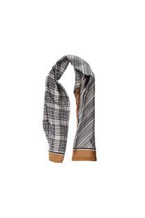 Pañuelo dama de seda cuadrado con estampado.  Medidas: 90 cm x 90 cm