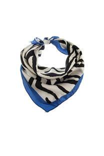 Pañuelo dama de seda cuadrado con estampado de cebra.  Medidas: 50 cm x 50 cm