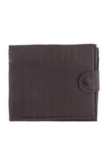 Billetera de cuero ecológico hombre, apertura principal con botón, posee tarjetero y divisiones para billetes.  Medidas: 12 cm x 10 cm -
