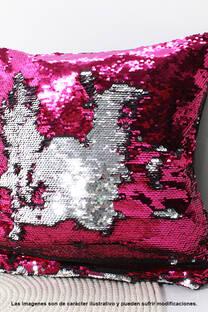 Funda de almohadón con lentejuelas reversibles.  Medidas: Alto: 45 Cm, Ancho: 45 Cm. -
