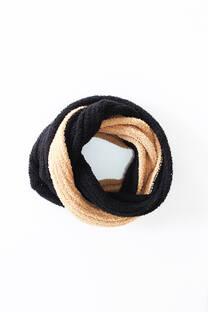 Cuello de lana sintética, colores combinados.  Tamaño circunferencia: 146 cm aprox.