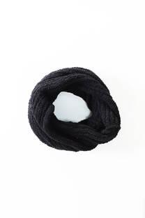 Cuello de lana sintética.  Tamaño circunferencia: 146 cm aprox.