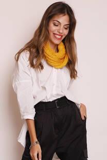 Cuello doble de lana sintética.  Tamaño circunferencia: 146 cm aprox. -