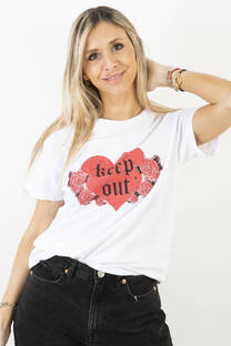 REMERA KEEP OUT -