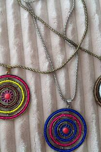 collar Maya -
