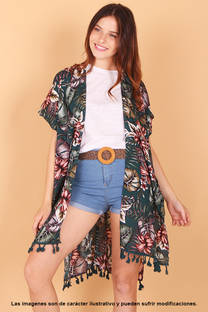Kimono estampado con flecos, incluye bolsito del mismo estampado. Talle único. -