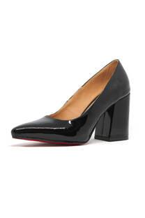 Zapato con taco ancho