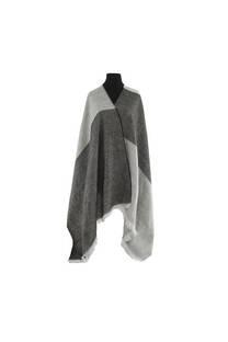 Mantón clásico estampado de lana frizado desflecado color Gris melange -gris topo  Medidas: 75 cm x 185 cm. -