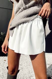 Short Chiara -