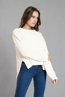 Sweater chenille con rotura y tajos -