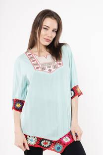camisola con crochet y bordado -