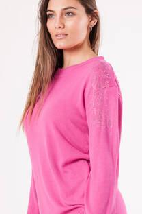 sweater bremer  estras en hombro -