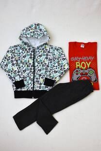 Promo pack campera de friza estampada + pantalón clásico de friza + remera manga larga -