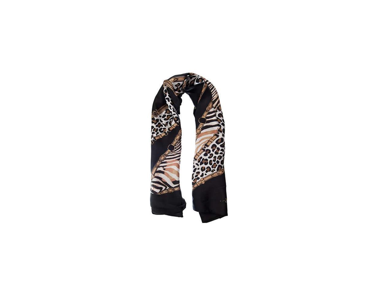 Imagen carrousel Pañuelo dama de seda cuadrado con estampado animal print.  Medidas: 90 cm x 90 cm 2