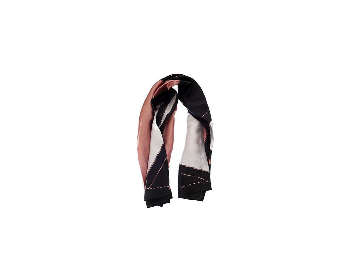 Imagen producto Pañuelo dama de seda cuadrado con estampado tricolor.  Medidas: 90 cm x 90 cm 2