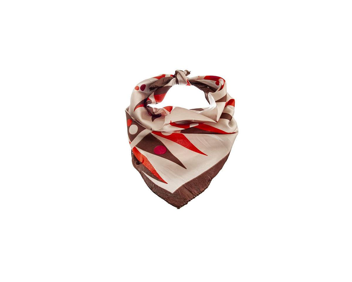 Imagen producto Pañuelo dama de seda cuadrado con estampado de colores.  Medidas: 50 cm x 50 cm 3