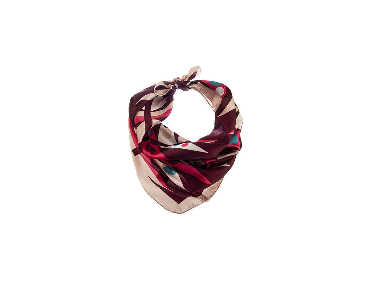 Imagen carrousel Pañuelo dama de seda cuadrado con estampado de colores.  Medidas: 50 cm x 50 cm 2