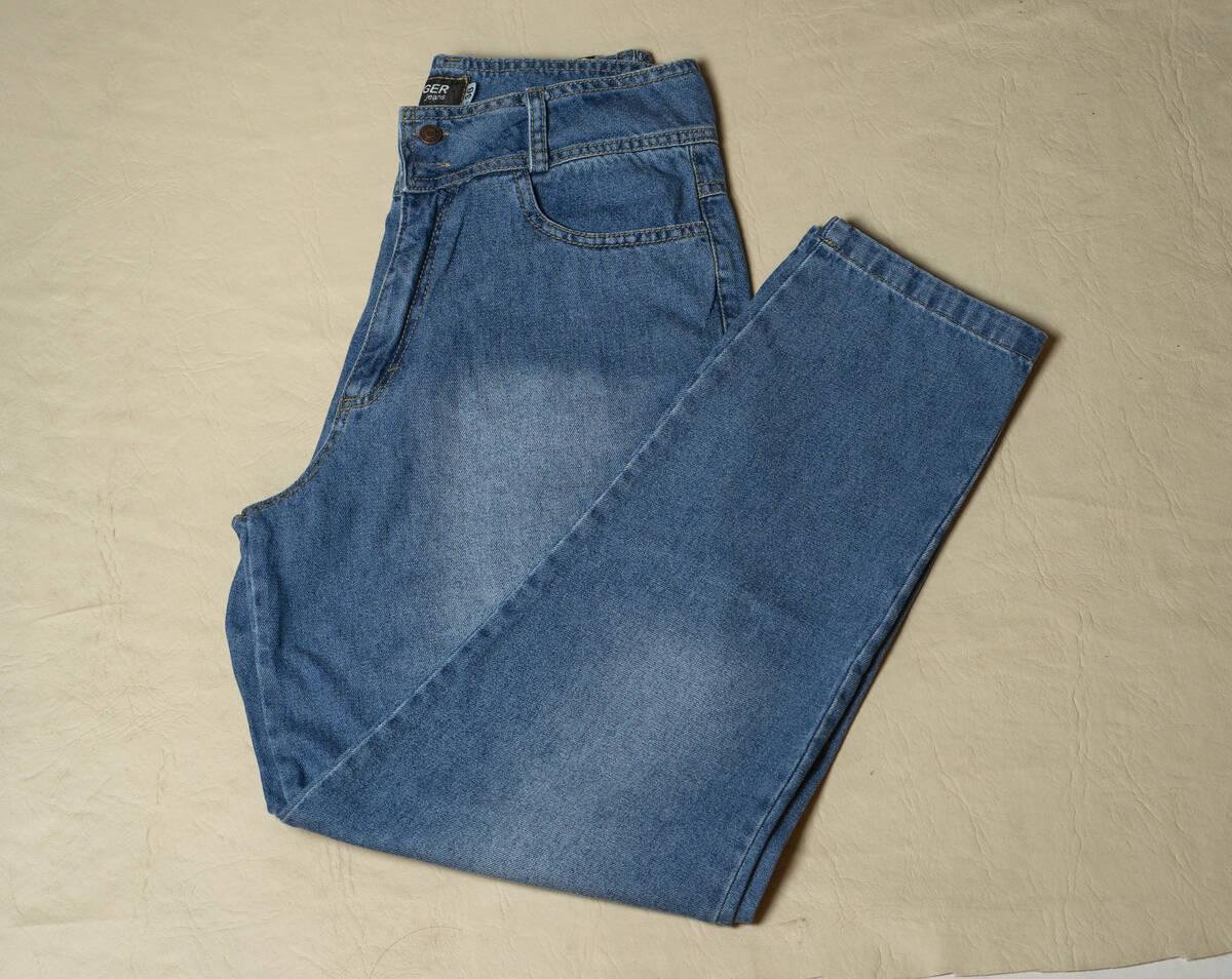 Imagen producto Pantalón Jean Mom localizado 4
