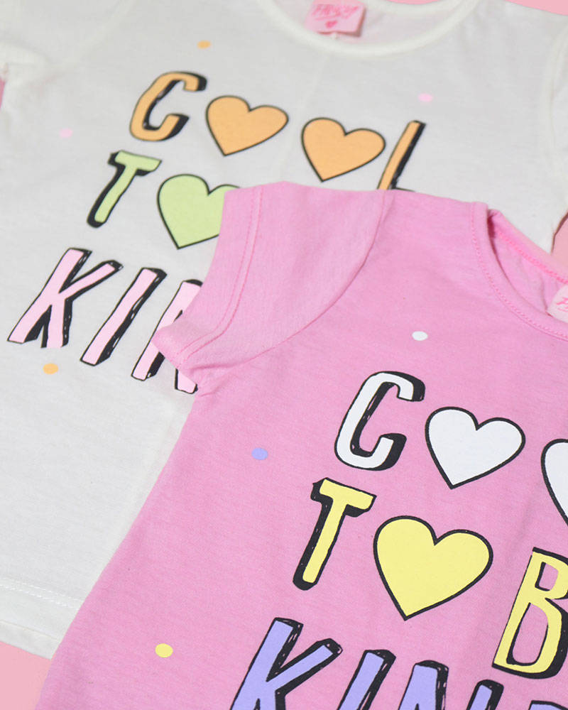 """Imagen carrousel Remera Kendra """"Cool to be kind"""" 4"""