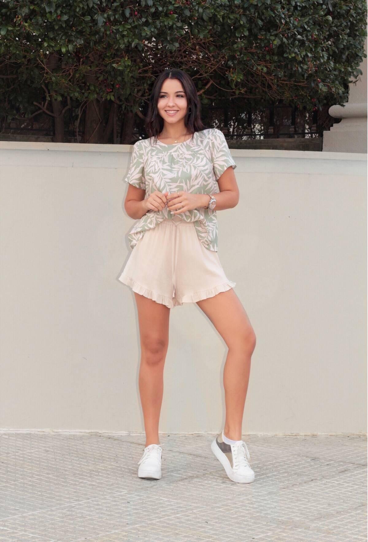 Imagen carrousel Shorts de Lino AVA 2