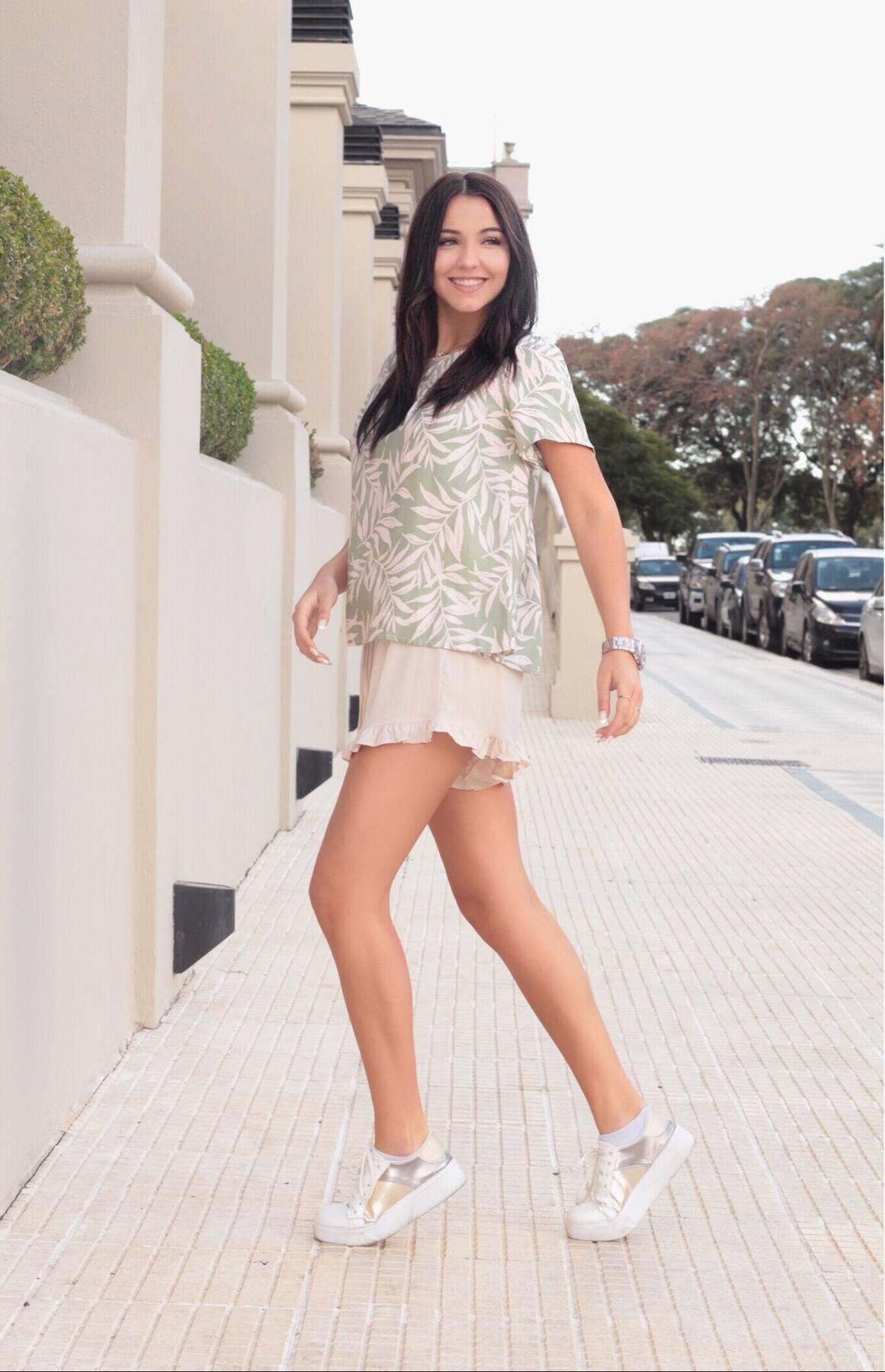 Imagen carrousel Shorts de Lino AVA 3